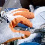廃棄物の収集運搬業の方に知ってもらいたい手袋!