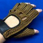 なぜ輸入車に乗る方は、かっこいい手袋をはめるのか?
