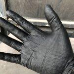 何度も使える丈夫なニトリル手袋なら、IGAブラック